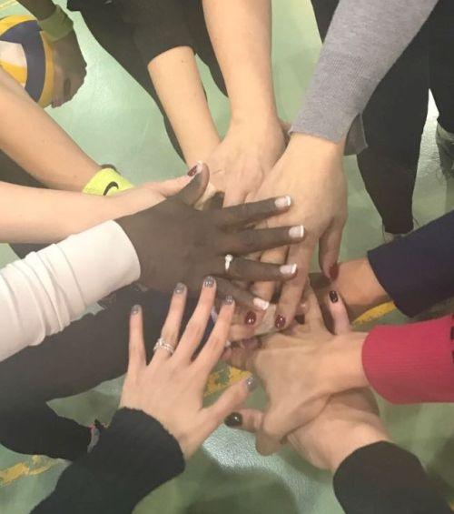 מה גרם למאמן קבוצת 'לרנקה' קפריסין – לפתוח שתי קבוצות נוספות בכפר שלו? ליגת קפריסין צומחת עם שתי קבוצות חדשות בכפר פילה, וזו רק ההתחלה!